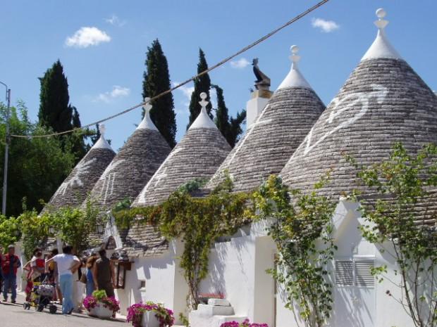 Puglia Sabi köyü